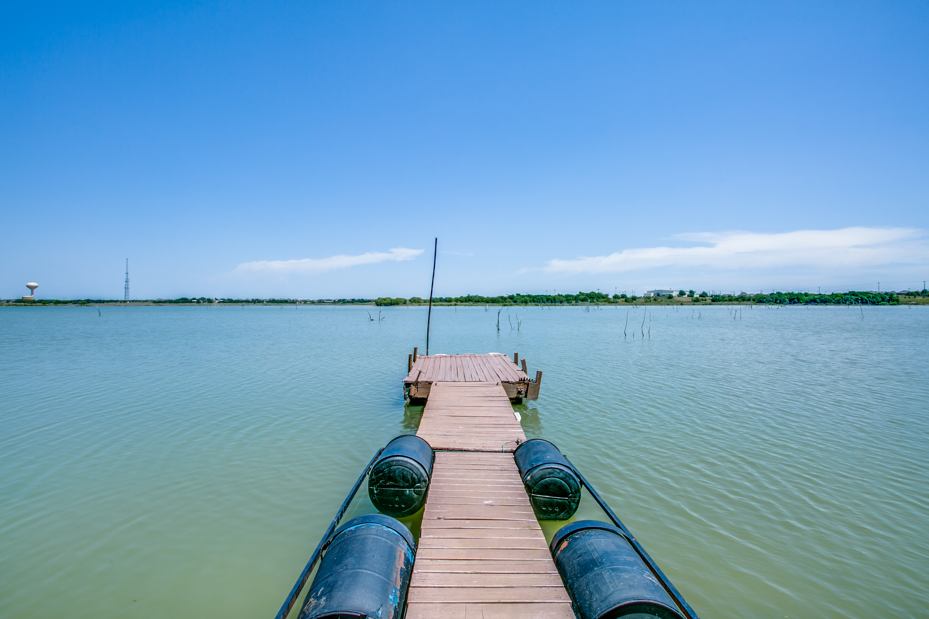 Dock your boat for lunch, catch fish as they're biting & do back flips off the dock!  Whether it's relaxing or fun you're after, enjoy from your own backyard!