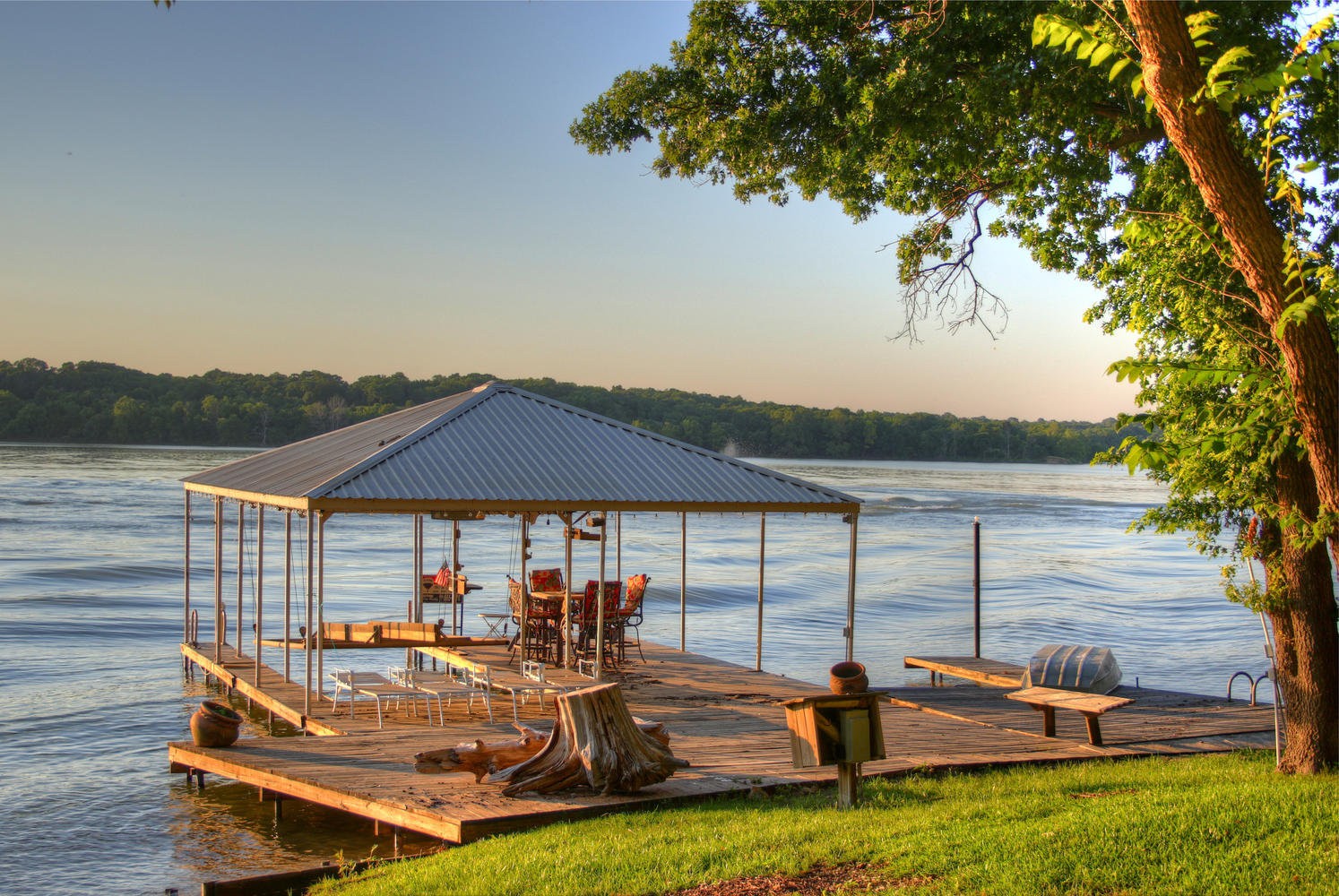 Boat dock at your doorstep! Walk out and enjoy a cruise around the lake.