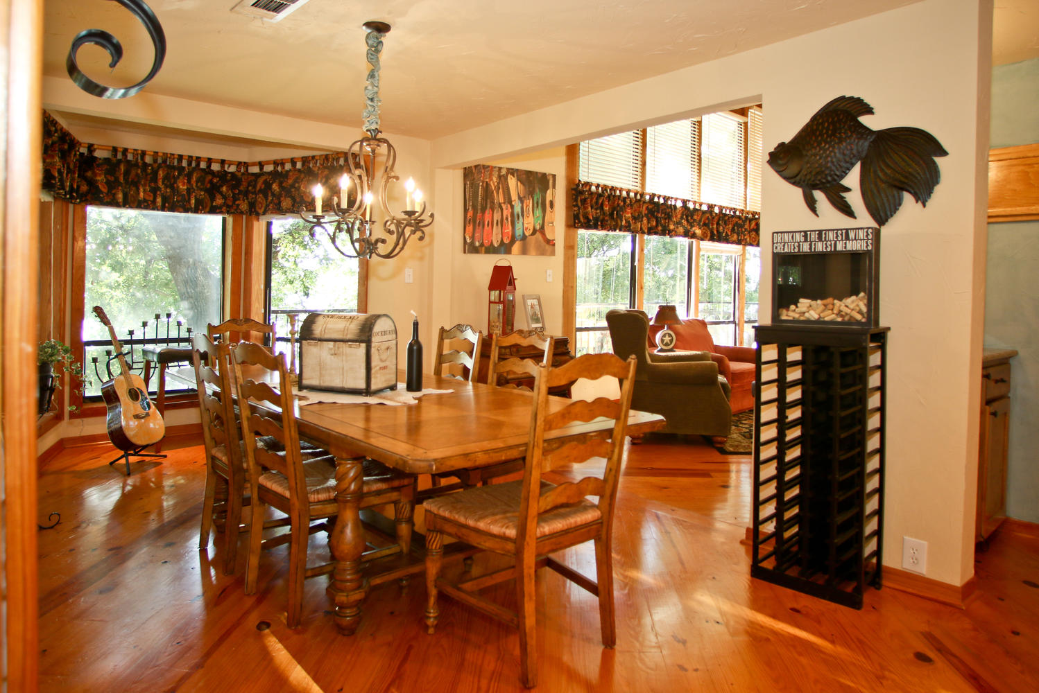 Open dining, living area .....great for entertaining.