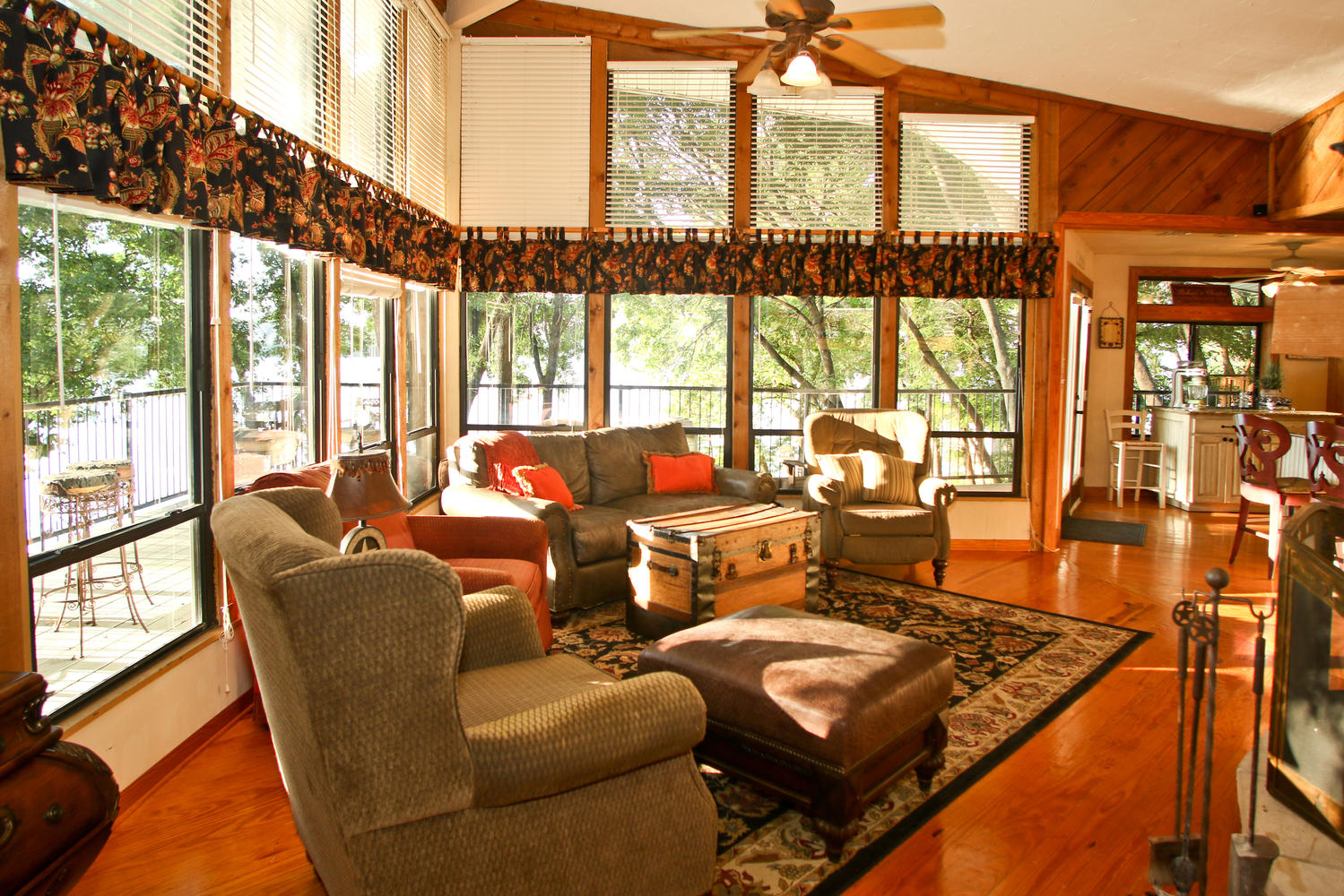 Walls of windows to let the outdoors in